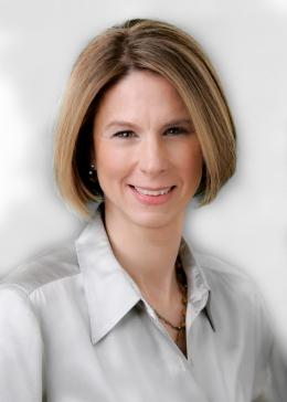 Elizabeth-Brady headshot